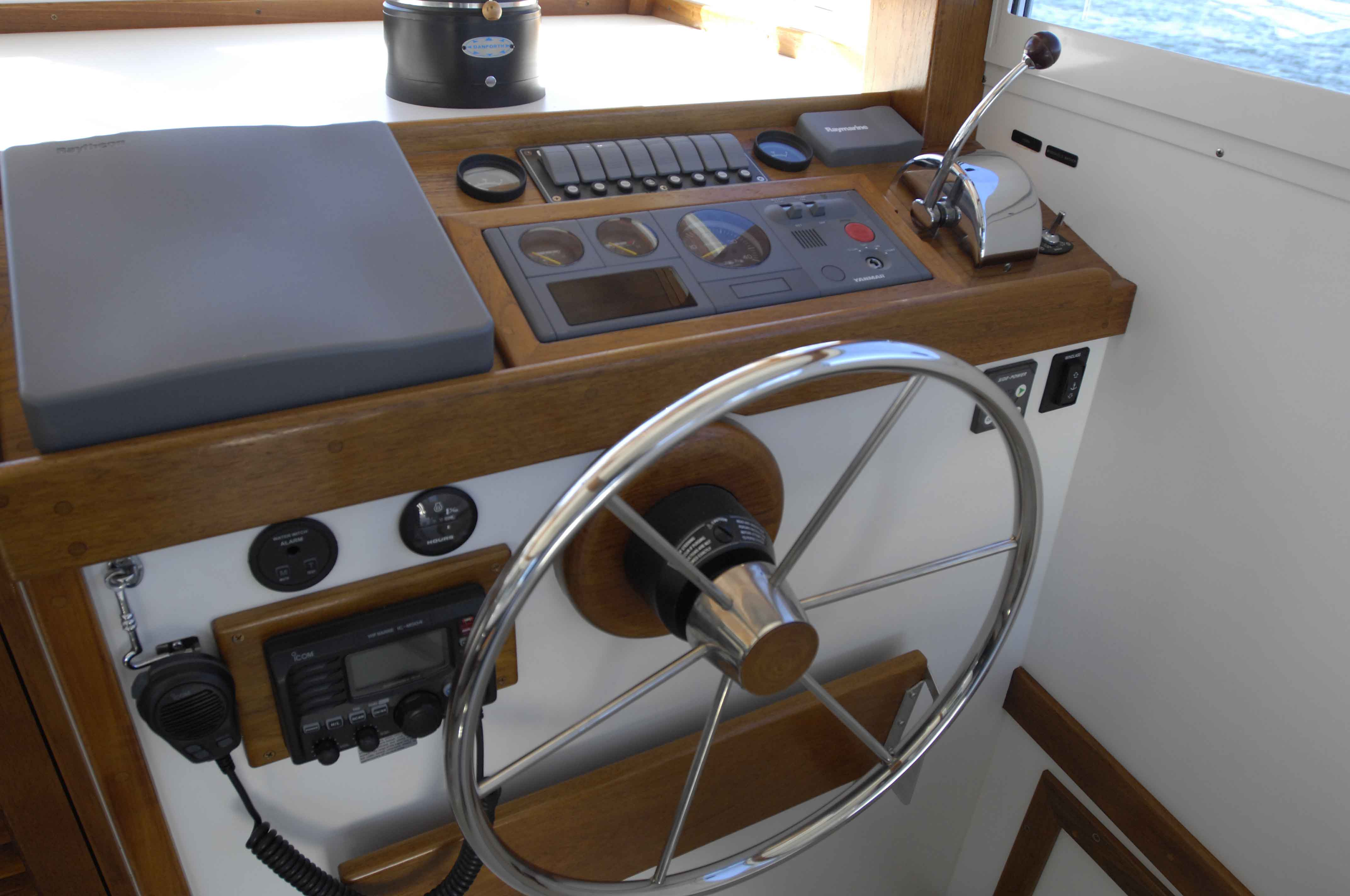 Ellis 32 Extended Top Cruiser For Sale