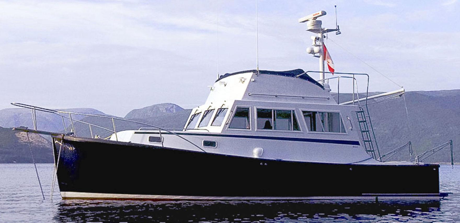 Ellis 32 Flybridge Cruiser for Sale